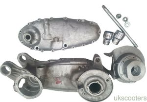 ukscooters LAMBRETTA GP200 ENGINE SIDE CASING MAG HOUSING SIL 200CC MOUNTS SPIND